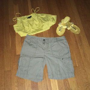 Eddie Bauer size 6 cargo shorts 💯 cotton
